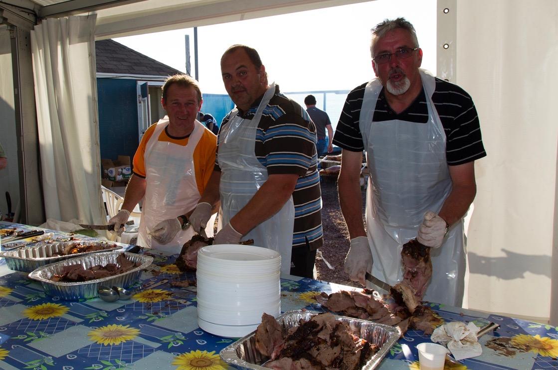 Les cuisiniers bénévoles...