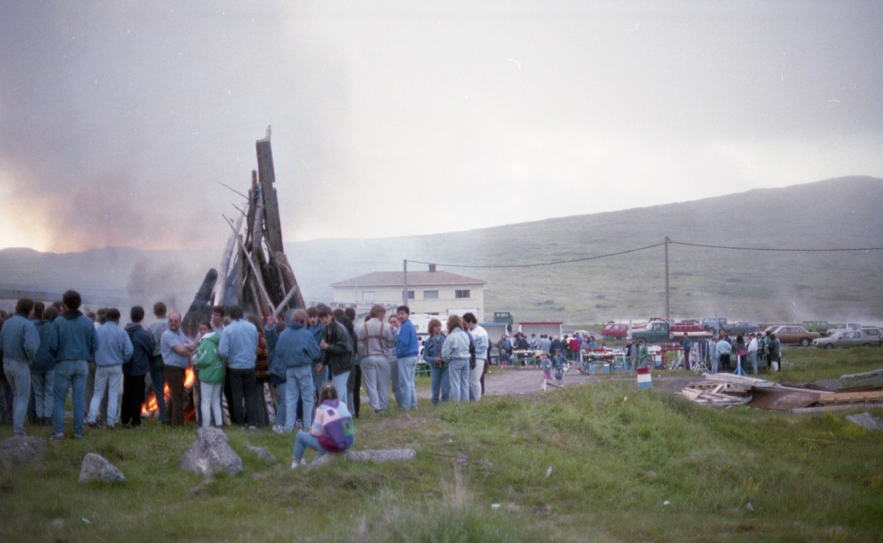 1985 - Méchoui et feu de camp...